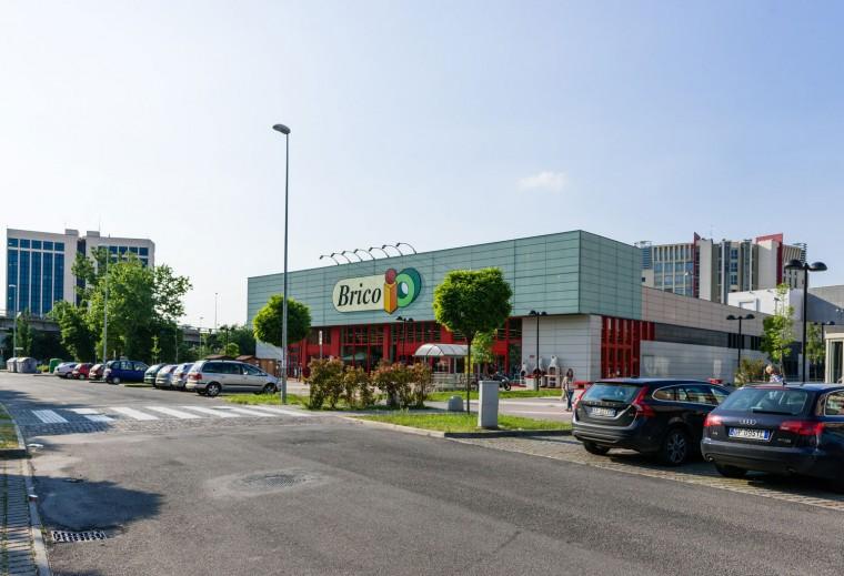 Punto vendita brico modena aec costruzioni for Brico arreda srl